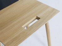 Sitzschemel KNOQDI von kommod Detail vom Griff