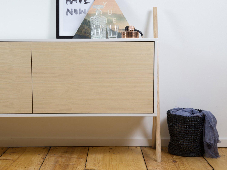 kommod sideboard sideboard stauraum mit fl gelt ren. Black Bedroom Furniture Sets. Home Design Ideas